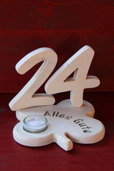 Deko-Objekte - Holzzahlen m.Kleeblatt für Geburtstag/Hochzeit - ein Designerstück von Olefun bei DaWanda Diy Arts And Crafts, Wood Crafts, Custom Shelving, Tea Candles, Scroll Saw, Wood Sculpture, Wood Art, Wooden Toys, Tea Lights