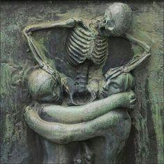 Morte che cerca di dividere