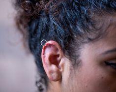 Sterling Silver Heart Ear Cuff. #gehatijewelry #etsy #etsyshop #etsyseller #etsyjewelry #silverearcuff #sterlingsilverearring #helixearring #tragusearring #earwrap #earsweep #earjacket #cartilageearring
