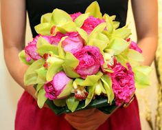 hot pink roses and lime green cymbidium.do this with purple instead of pink. Lime Wedding, Green Wedding, Wedding Colors, Wedding Ideas, Summer Wedding, Wedding Stuff, Floral Bouquets, Wedding Bouquets, Wedding Flowers