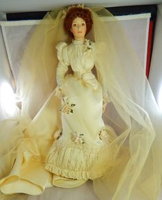 "1999 June Bride Bette Davis Doll ""Classics of Fashion"" Georgetown Collection 17"""