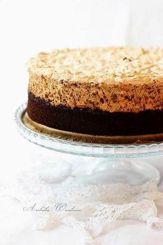 Arabeska : Ciasto czekoladowe z powidłami i bezą orzechową