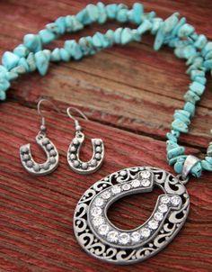 Lucky Horseshoe Necklace $16.99 http://dumbblondeboutique.com/luhone.html