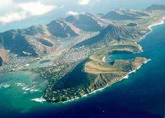 Oahu,   Dole pineapple plantation,  Pearl Harbor,  Polynesian Cultural Center, Honolulu zoo,  Sealife Park Hawaii - Swim with the dolphin programs,  Waikiki,  Diamond Head,  North Shore,  Waimea Bay