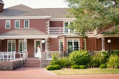 Stonebridge Manor | Phoenix AZ Wedding Venues -The wedding of your dreams awaits you at Stonebridge Manor in Mesa, Arizona. With our wonderful wedding venues and services, your fantasy day will become a reality. Contact us at 480-641-3131