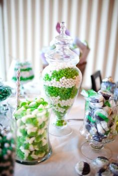 Green Wedding Candy Bar, instead of white we could do black!