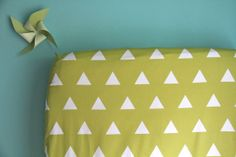 fitted crib sheet in citron triangles