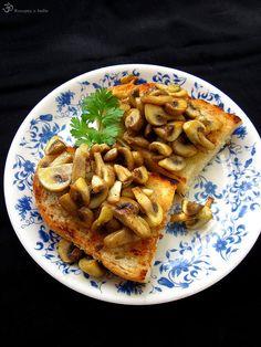 Sampinonova bruschetta Bruschetta, Waffles, French Toast, Indie, Stuffed Mushrooms, Pizza, Snacks, Dishes, Button