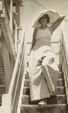 Renée Perle on the French Riviera by Jacques-Henri Lartigue 1930s Fashion, Look Fashion, Fashion Models, Vintage Fashion, Fashion Tips, Fashion Trends, 50 Fashion, Fashion Designers, Fashion Styles