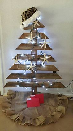 christmas tree designs buscar con google arbolitos christmas recycled christmas tree y. Black Bedroom Furniture Sets. Home Design Ideas