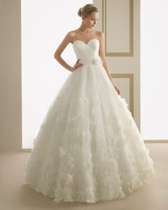 Pin by caltha on inexpensive wedding dresses Inexpensive Wedding Dresses, Elegant Wedding Gowns, Luxe Wedding, Wedding Dresses 2014, Cheap Wedding Dress, Wedding Dress Organza, Bridal Gowns, Engagement Dresses, Bustier