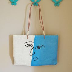Very cute sholder bag with stiched face. Great condition! #Unbranded #ShoulderBag