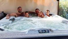 Kellemes időtöltés a Sissy Vendégházban Tub, Outdoor Decor, Modern, Luxury, Bathtubs, Trendy Tree, Bathtub, Bath Tub, Bath