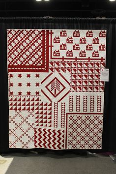 """My Tribute to the Infinite Variety: Three Centuries of Red and White Quilts Show"" by Thelma Childers of Charleston, IL Quilting Projects, Quilting Designs, Two Color Quilts, Red And White Quilts, American Quilt, Easy Quilt Patterns, Green Quilt, Sampler Quilts, Antique Quilts"