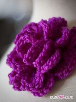 Ewe Ewe Yarns :: Awesome Knitting Stuff - Ewe Ewe Blog Blog - Pretty Corsage {free crochet pattern}