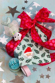 Über eine liebevolle Aufmerksamkeit, darüber freut sich doch jeder ! Geschenkpapier und Karten sind bei Plottermarie.de erhältlich