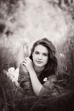 Brilliant Senior picture ideas for girls (34)