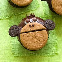 Monkey cupcakes  @Naomi Quinonez-Babilonia