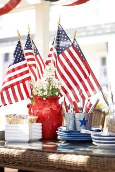 Festive Red, White and Blue Patriotic Buffet Table ~ Perfect for Memorial Day or the 4th of July! | summer entertaining idea tip