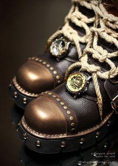 Dr. Emporio Efikz — Steampunk skypirate boots