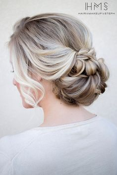 Low set textured bun #hairandmakeupbysteph #bridalhairstyles