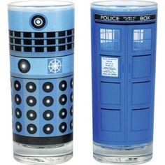Glasses set of 2 - Dr Who (Dalek and Tardis) Doctor Who Tardis, Doctor Who Gifts, Dr Who, Police Box, Bottle Crafts, Tv, Shot Glass, Geek Stuff, Mugs