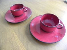 VILLEROY & BOCH Granada Red Porcelain Flat tea cup and saucer x 2 1980s