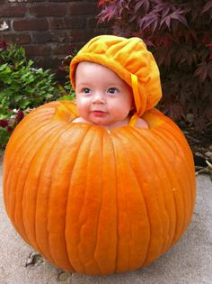 Pumpkin Patch Kid~ A great idea for baby pictures @Sarah Chintomby Ross McIntosh hahaha emma would be so cute