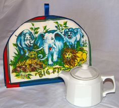 Tea Cosy/Cozy with Big Five wild animals by DecorativePillowCush