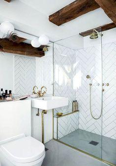 Stylish Modern Bathroom Design - trends in showers floors mirrors & lighting Modern Vintage Bathroom, Classic Bathroom, Modern Bathroom Design, Bathroom Interior Design, Bathroom Styling, Bathroom Designs, Modern Design, Scandinavian Bathroom Design Ideas, Scandinavian Style