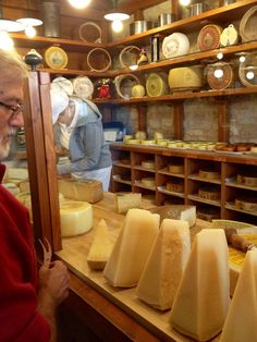 A cheese shop in Asiago, Italy, province of Vicenza , Veneto ♡ fromage ♡ cheese ♡ Käse ♡ formatge ♡ 奶酪 ♡ 치즈 ♡ ost ♡ queso ♡ τυρί ♡ formaggio ♡ チーズ ♡ kaas ♡ ser ♡ queijo ♡ сыр ♡ sýr ♡ קעז ♡ Fromage Cheese, Wine Cheese, Cheese Bar, Cheese Dishes, Toscana Italia, Cheese Shop, Places In Italy, Shop Around, Northern Italy