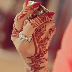 Bridal Arabic henna or mehndi