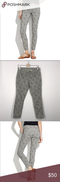 Madewell skinny skinny ankle safari dot sz 28 These madewell jeans are speckled with black dots that almost looks like an animal print. They are gently used and in great condition! Madewell Jeans Skinny