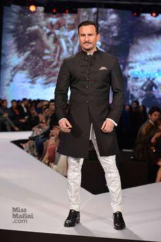 Saif Ali Khan, Randeep Hooda and Kunal Kapoor add star power at GQ India's Fashion Nights. Mens Indian Wear, Mens Ethnic Wear, Indian Groom Wear, Indian Men Fashion, Mens Fashion Suits, India Fashion, Wedding Dress Men, Indian Wedding Outfits, Saif Ali Khan Kurta