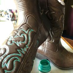 Painting cowboy boots! Gonna paint the white stitches on my black ones neon green!