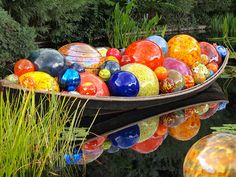 Float Boat by Dale Chihuly at Denver Botanic Gardens Dale Chihuly, Denver Botanic Gardens, Mosaic Art, Mosaics, Photos Of The Week, Great Pictures, Hand Blown Glass, Garden Projects, Botanical Gardens