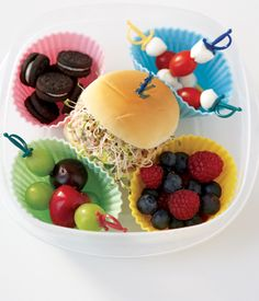 Lunchtime is about to get a whole lot cuter! If your little one is tired of the same old sammies, try whipping up a bento lunch — perfect for kids thanks t Bento Box Lunch For Kids, Lunch Snacks, Lunch Ideas, Lunch Boxes, Box Lunches, Bento Ideas, Kid Snacks, Cute Food, I Love Food