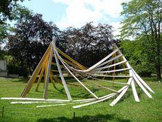 """Architexture"""". Bois de Vincennes, Johann Le Guillerm Jardin d'Agronomie Tropicale (juillet 2011)"""