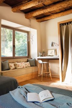 decordemon: A rustic-chic house in the Pyrenees in Spain White Furniture, Home Decor Furniture, Tiny House Cabin, French Cottage, Small Room Bedroom, White Rooms, French Country Decorating, Home Decor Kitchen, Rustic Chic