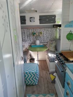 Vintage Travel 20 Amazing Remodel Ideas for Casita Travel Trailers - Most folks that are interested in getting a Scamp camper already know all the things that produce a Scamp trailer Read more. Vintage Caravan Interiors, Vintage Camper Interior, Retro Caravan, Trailer Interior, Trailer Decor, Old Campers, Vintage Campers Trailers, Camper Trailers, Vintage Caravans