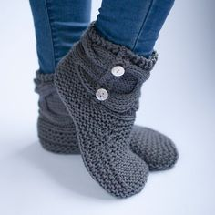 The Woven Simple Knit Slipper Booties