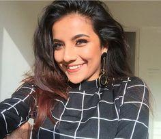 Amazing Girl Indian M, Amazing Dp, Musically Star, Female Poses, Cute Girls, Photoshoot, Queen, Stars, Tik Tok