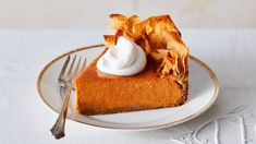 The humble pumpkin pie gets a dramatic makeover with store-bought phyllo dough for the crust and Chinese five-spice powder in the filling. Don't worry, we've kept the familiar flavor so even traditionalists at the table will leave happy. Pumpkin Puree, Pumpkin Spice, Tart Recipes, Dessert Recipes, Sweet Recipes, Pumpkin Pie Cheesecake, Sweetened Whipped Cream, Thanksgiving Pies, Savoury Cake