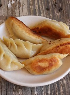 gluten-free pot stickers. Need to make these.