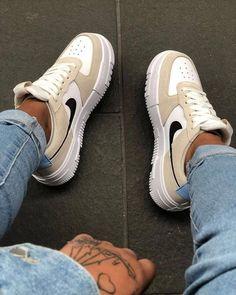 Dr Shoes, Cute Nike Shoes, Swag Shoes, Cute Nikes, Cute Sneakers, Nike Air Shoes, Hype Shoes, Sneakers Nike, Jordan Shoes Girls