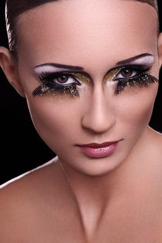 Beauty - Creative Makeup photographed by Ylva Erevall by Eva  Ubani, via Behance