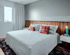 Resultado de imagem para quarto casal decoração azul claro com detalhes madeira
