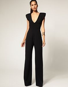 Another killer catsuit. Cute Dresses, Beautiful Dresses, Prom Dresses, Love Fashion, Fashion Looks, Womens Fashion, Catsuit, Fiesta Outfit, Elegant Outfit