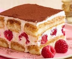 Saigon Cinnamon Tiramisu with Fresh Raspberries Healthy Cake Recipes, Dump Cake Recipes, Cake Recipes From Scratch, Homemade Cake Recipes, Recipes From Heaven, Dessert Recipes, Mousse Au Nutella, Raspberry Tiramisu, Bon Dessert