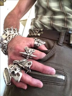 Men Accesories, Accessories, Cool Mens Bracelets, Fashion Rings, Fashion Jewelry, Mens Skull Rings, Biker Wear, Biker Rings, Accesorios Casual